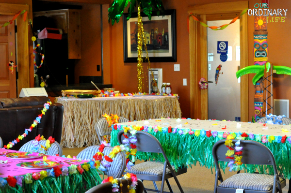 luau party decor