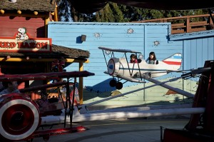 Family Visit With Kids to Knotts Berry Farm Park (8)