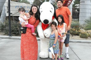 Knotts-Berry-Farm-Snoopy-Schroeder-Peppermint-Patty