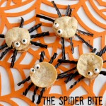 Halloween Snacking Idea – Spider Bite Popwich #snacksmall