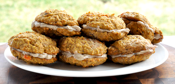Easter Carrot Cake Whoopie Pies (2)