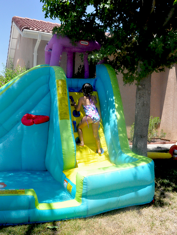 LIttle Tikes Inflatable WaterSlide (8)