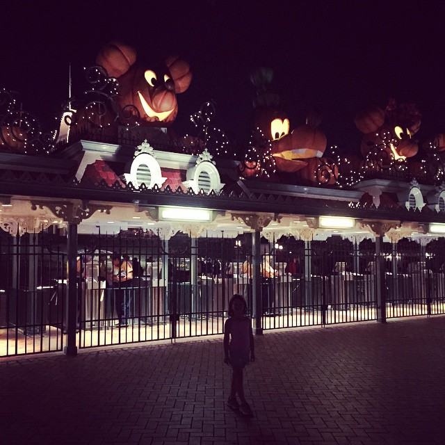 disneyland halloweentime brooklin