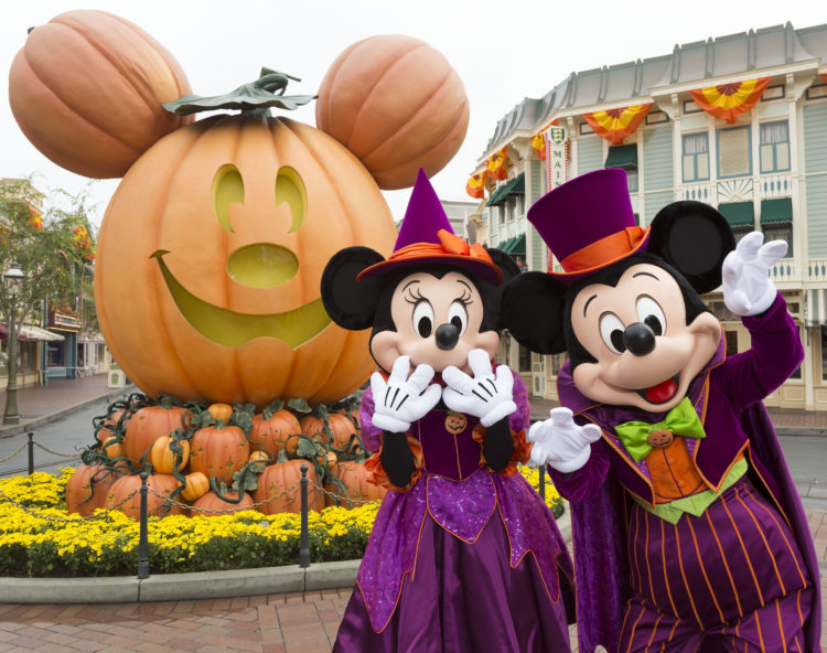 6 Frightfully Fun Things To Do At Disneyland For Halloweentime